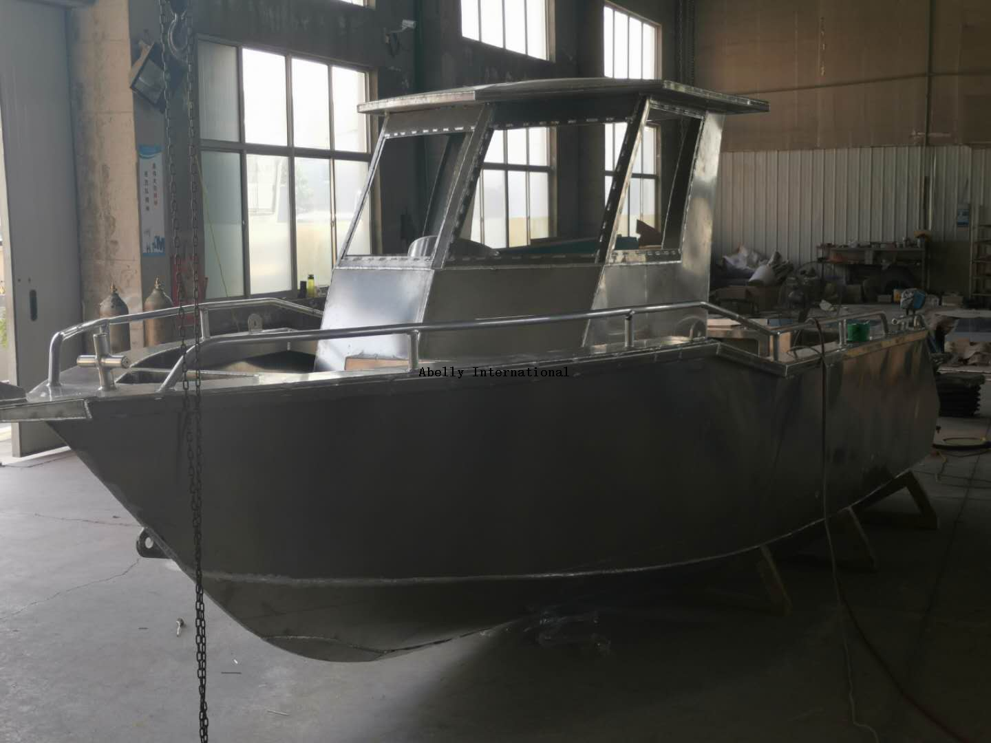 6.5m all welded aluminum walkaround boat